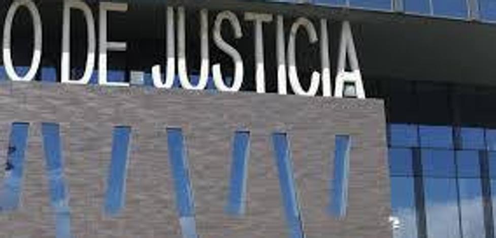 Un año de cárcel por agredir a dos policías que mediaron en una disputa familiar