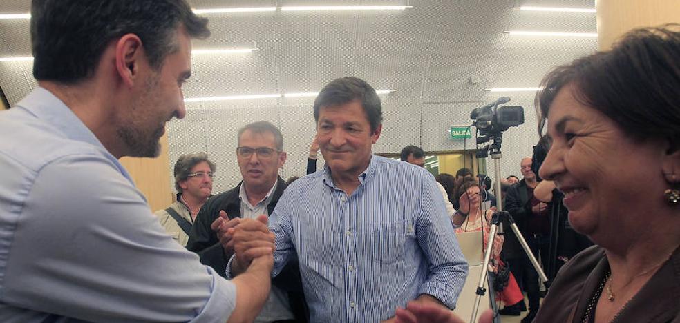 La agrupación socialista de Gijón vota en contra de la gestión de Javier Fernández