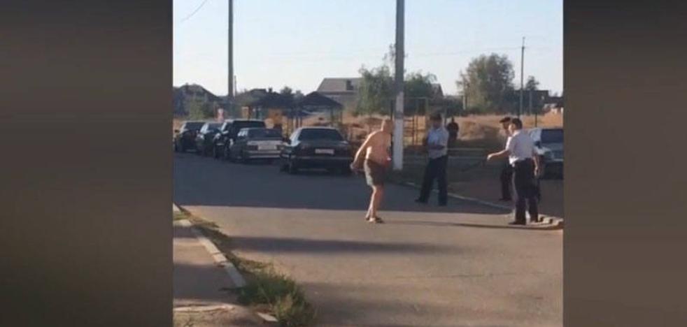 Un hombre decapita al bebé de su sobrina y pasea su cabeza por la calle
