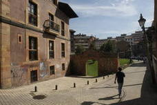 La investigación no encuentra indicios de agresión sexual en la joven de Oviedo