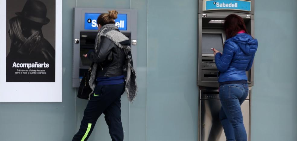 La nueva tasa a los cajeros, la más alta de Asturias pero ocho veces inferior a Sevilla