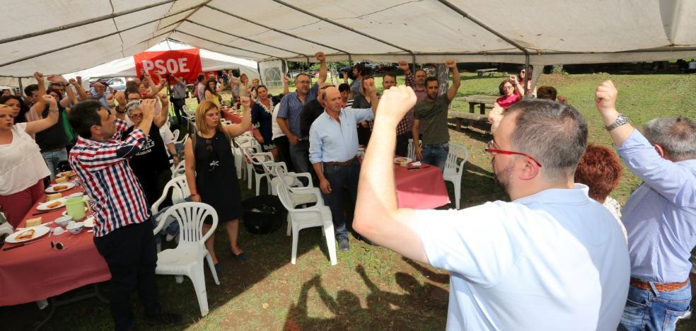 Barbón pide «respeto» para las agrupaciones que rechazaron la gestión de Fernández