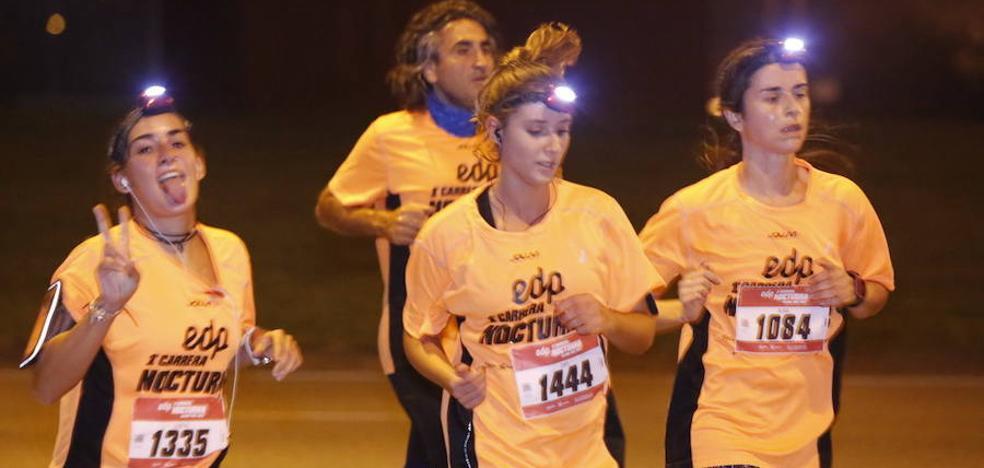 Los corredores disfrutaron de una magnífica noche en Gijón