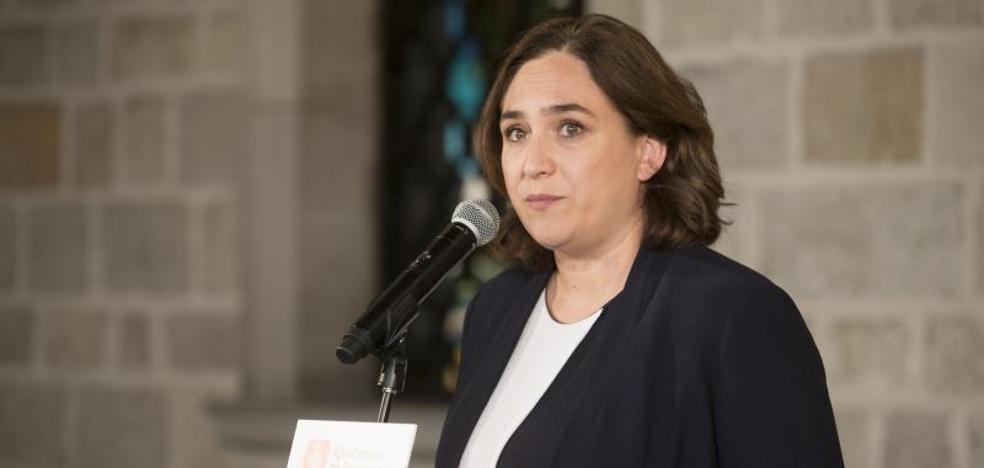 Iglesias y Colau piden al PSOE un «gobierno de unidad plurinacional»