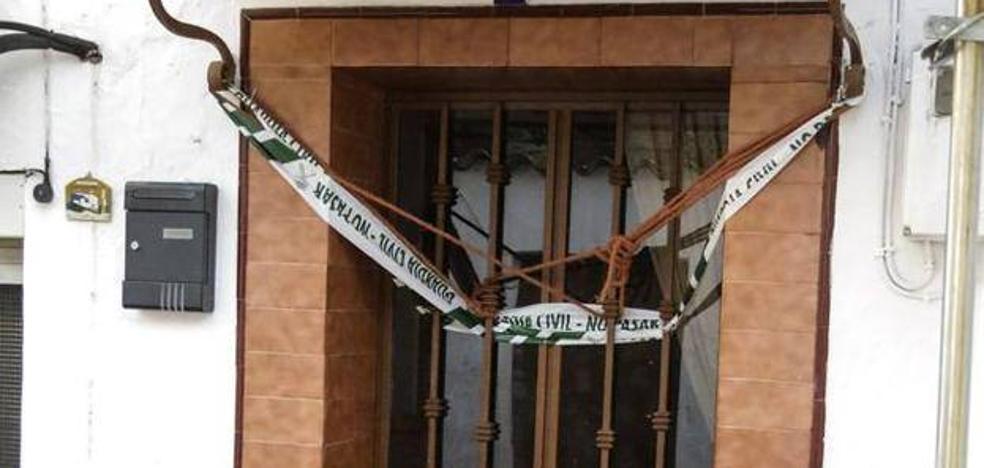 Uno de los niños de la pareja muerta en Huelva: «Mamá está dormida y muy fría»