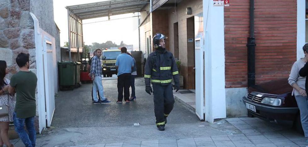 Un incendio causa daños en una fábrica de embutidos de Noreña