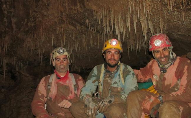 Comienza esta semana el 'ataque' final a la sima más profunda de España