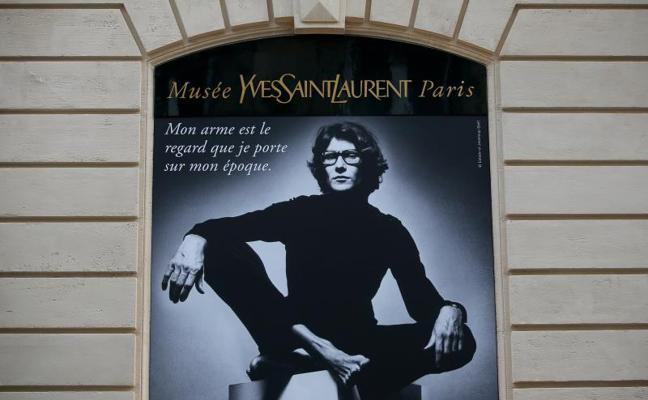 París celebra el legado de Saint Laurent con la apertura de su primer museo
