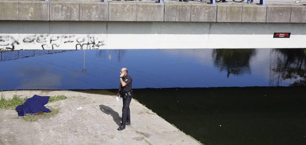 Aparece el cadáver de un hombre en el río Nalón
