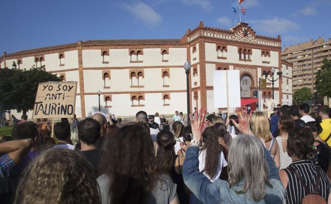 El PSOE de Gijón, dispuesto a apoyar una consulta ciudadana sobre los toros