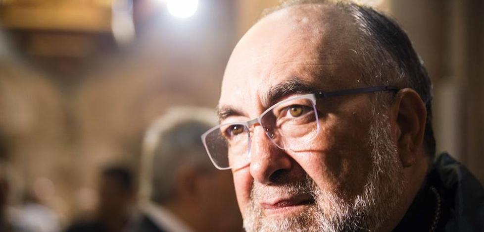 El Arzobispo de Oviedo lamenta la «calculada inmoralidad y la inaceptable ilegalidad» del referéndum catalán