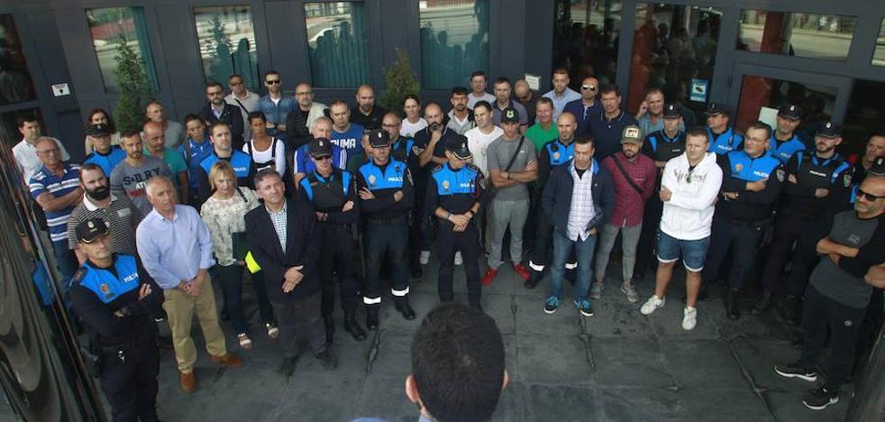 Concentraciones en Asturias en apoyo a la Policía Nacional y la Guardia Civil