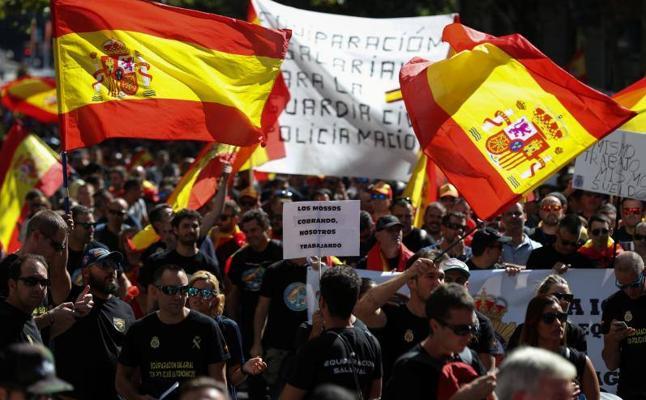 Miles de policías y guardias civiles claman en Madrid por igual salario que las autonómicas