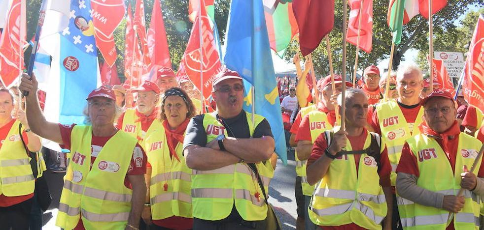 Los sindicatos exigen al Gobierno equiparar el gasto en pensiones con la eurozona