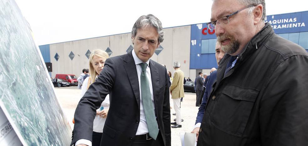 Oblanca ve «cojo» el acuerdo de Asturias, Galicia y Castilla y León sobre el corredor Atlántico