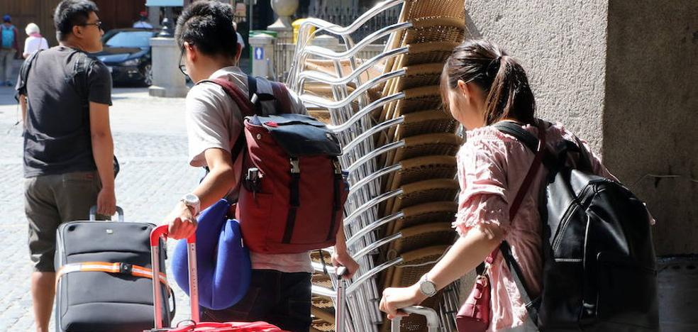 El Gobierno prevé un alza en la llegada de turistas del 7% y del gasto en un 10%