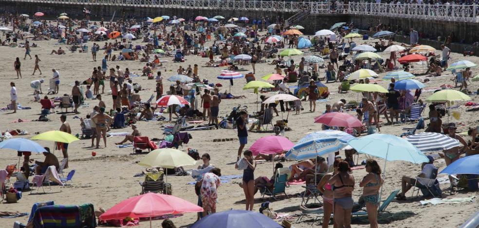 Las playas de Ribadesella perdieron un 40% de usuarios el pasado verano