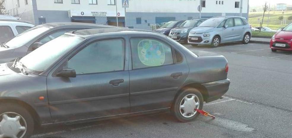 Dos ladrones chocan con un coche robado contra otros dos en Las Vegas