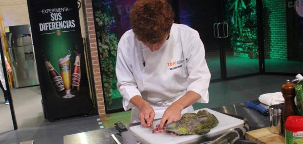 Top Chef El Salvador enfurece a la audiencia por matar y cocinar iguanas en directo