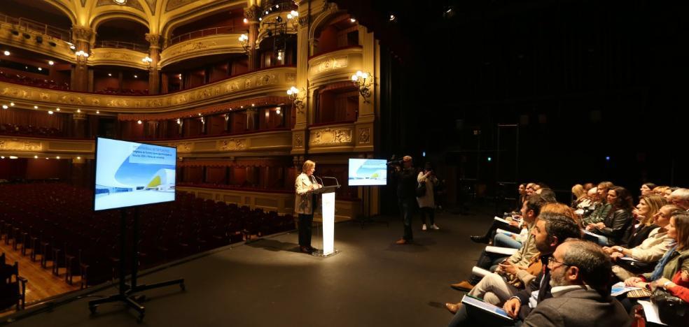 Avilés, Oviedo y Gijón atraen al 43% de los turistas que llegan a Asturias