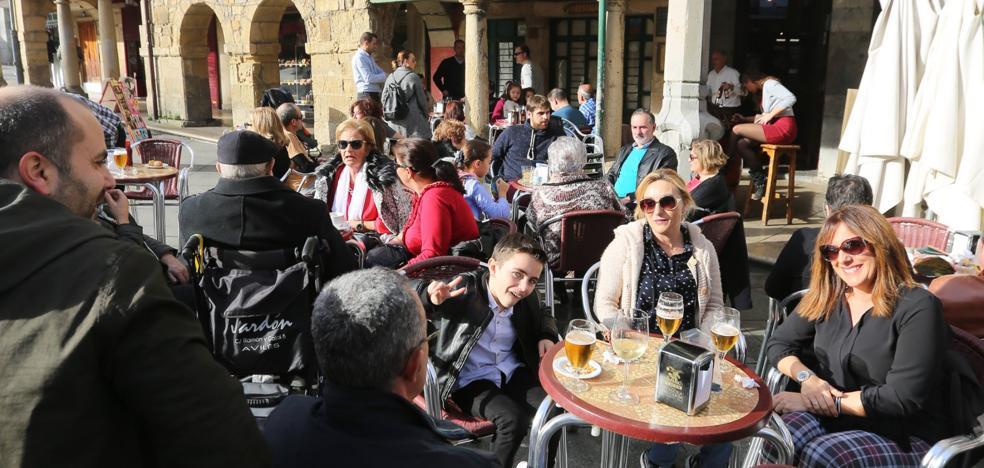 Seis de cada diez turistas que llegaron este verano a Avilés repetían visita a la ciudad