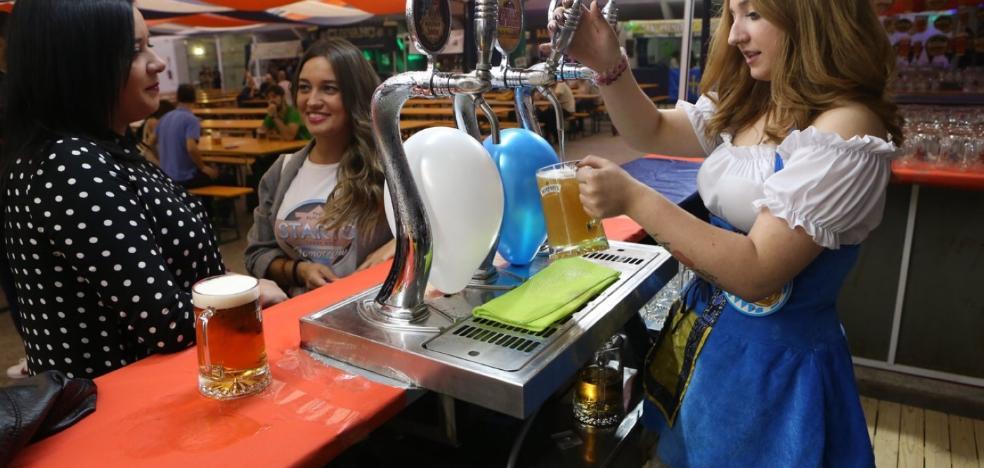 La Sociedad de Festejos abre los grifos del Oktoberfest