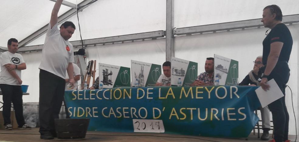 Veinte concejos participan en el concurso de sidra casera