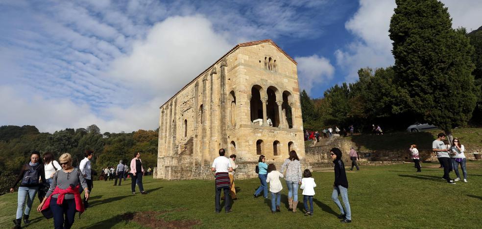Asturias recibe el Puente del Pilar con sol y calor