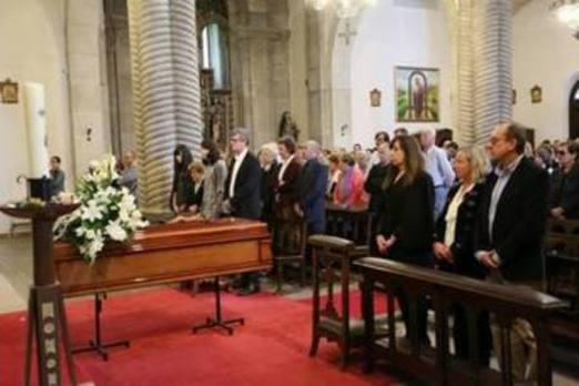 Somió llena la iglesia de San Julián para despedir a 'Peche'