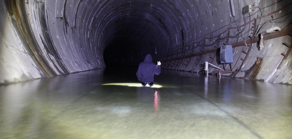 El Ayuntamiento de Gijón pide a Fomento iniciar el vaciado del túnel del metrotrén en 2018