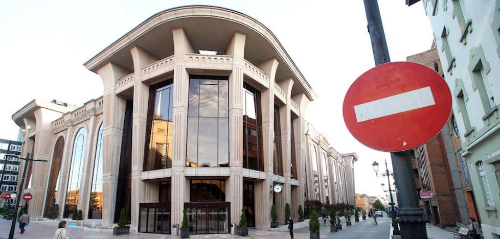 Los bomberos recomiendan cerrar la tercera planta del Auditorio de Oviedo e impiden el uso simultáneo de salas