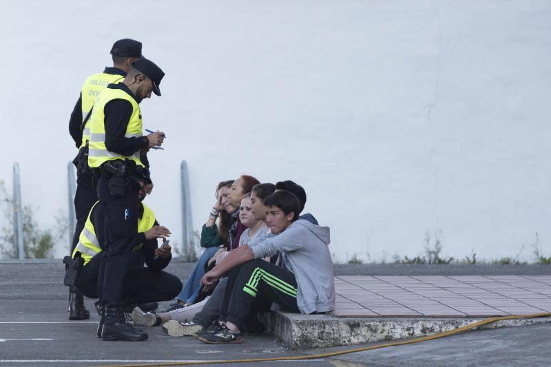 Simulacro de bomberos en el IES Pérez de Ayala de Oviedo