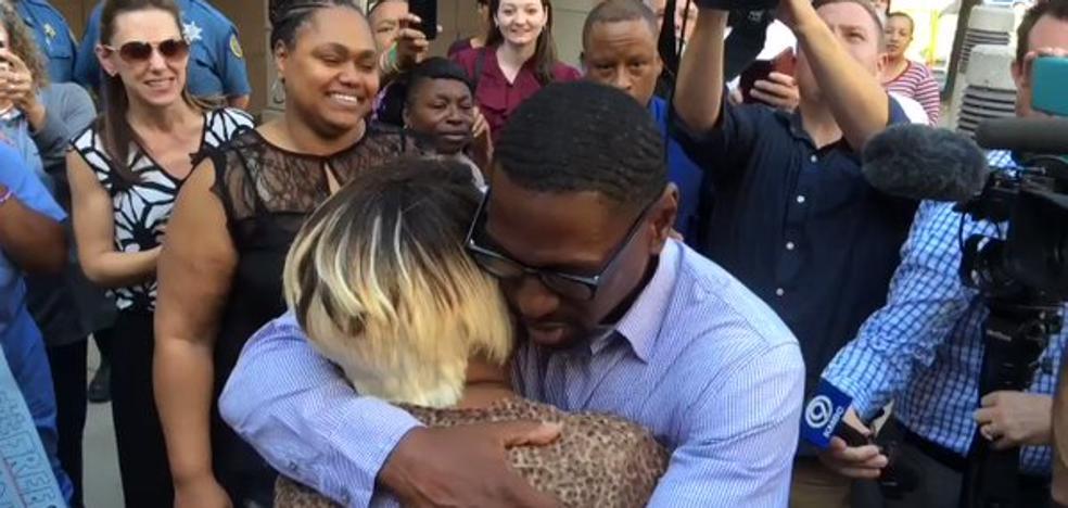 Liberado tras pasar 23 años en una prisión de EE UU por error