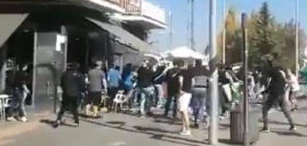 Cuatro heridos, uno en la UCI, tras una pelea de seguidores del Alavés y el Racing de Santander