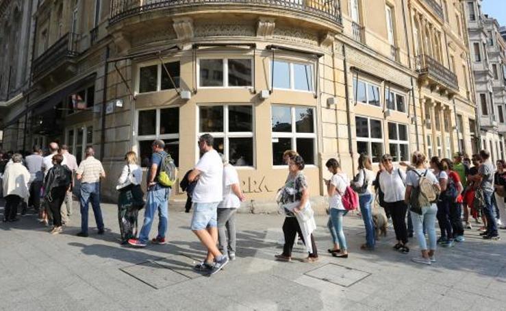 Colas en Gijón para disfrutar de Les Luthiers