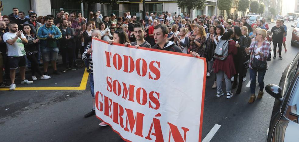 Gijón arropa a Germán tres meses después de la agresión en Fomento