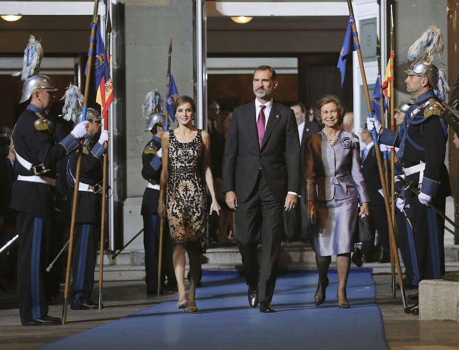 Los looks que Doña Letizia ha lucido en los premios Princesa