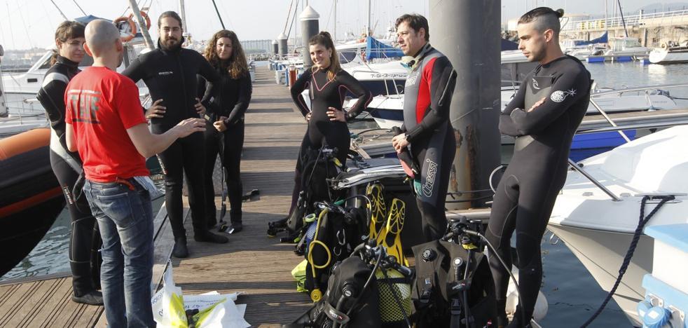 270 kilos de basura bajo la mar