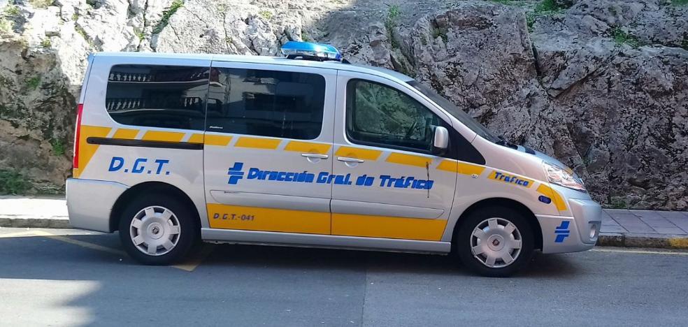Un vehículo de la DGT para hacer controles de velocidad y alcoholemia que no se usa
