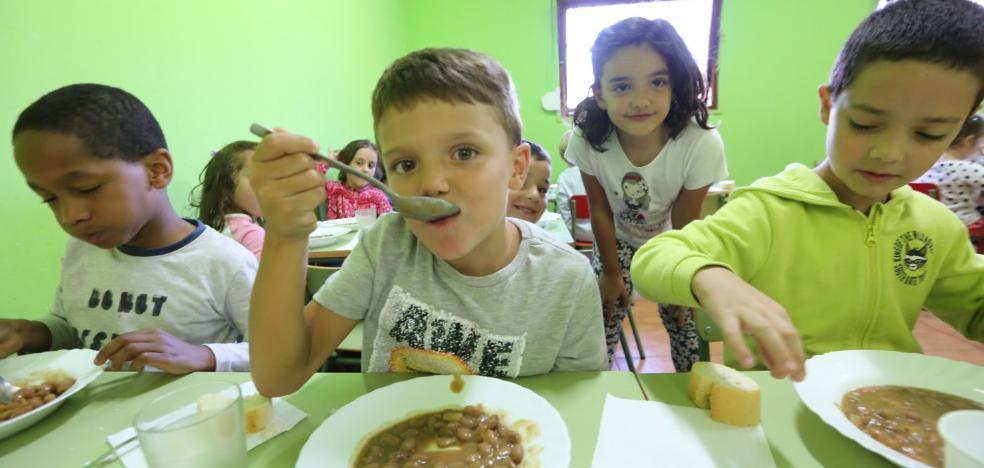 Dos de cada diez alumnos come en el cole