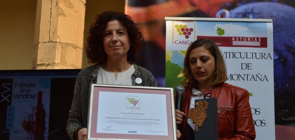 Cangas clausura la Fiesta de la Vendimia con el recuerdo de Juan Manuel Redondo