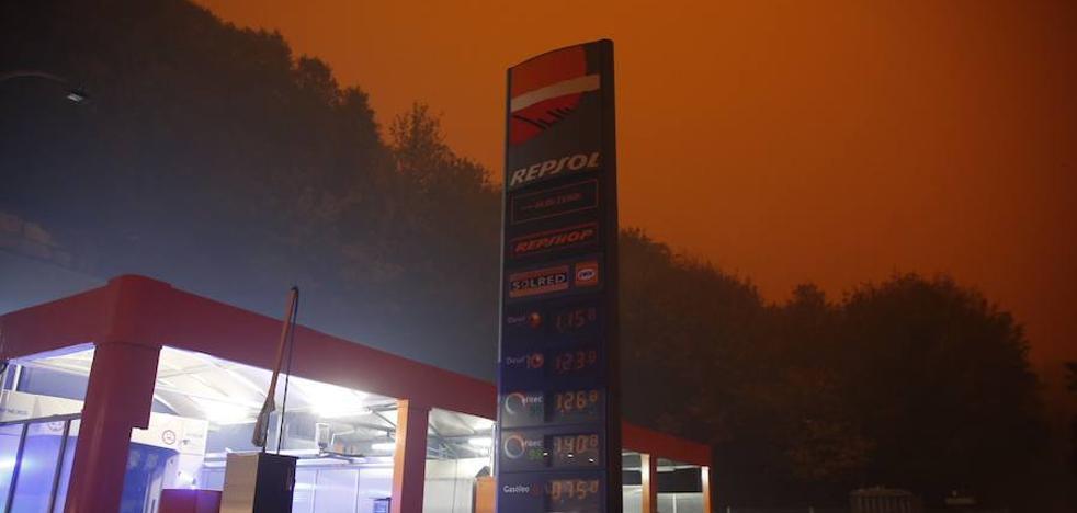 Asturias despierta cubierta de humo