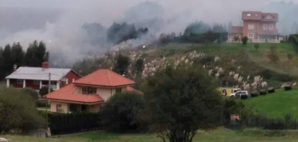 Sofocan un pequeño incendio forestal en La Llonguera, en Santa María del Mar
