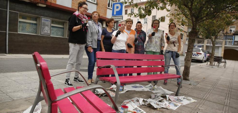 Bancos rosas contra el cáncer en San Martín