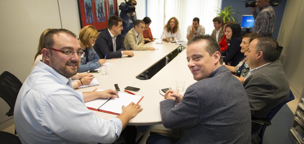 Barbón advierte a Podemos de que no excluirá a IU de un pacto presupuestario