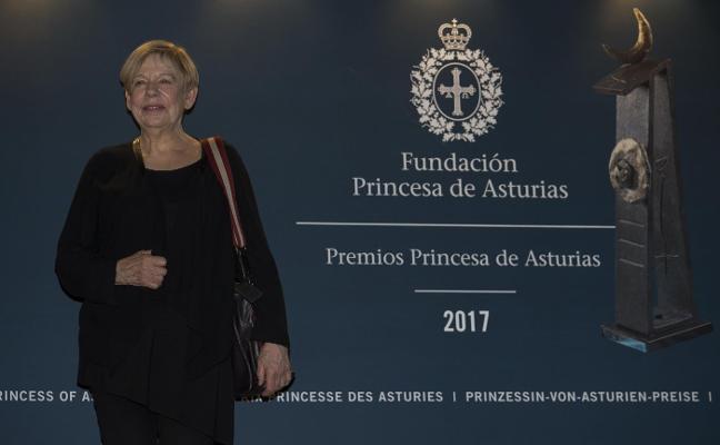 La voz de Karen Armstrong se escuchará hoy en Oviedo