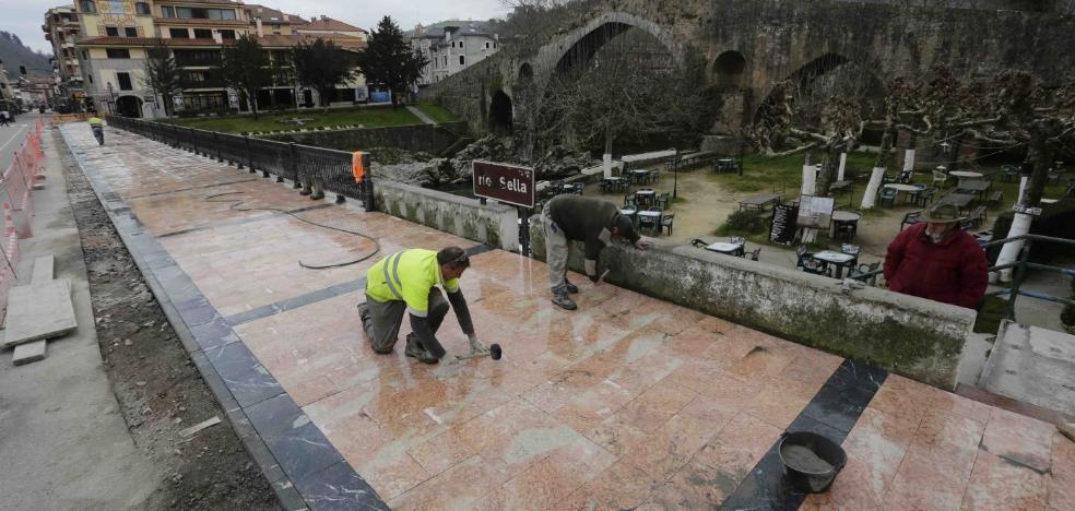 Los alcaldes de los Picos ven «irrisorias» las ayudas a las áreas de influencia