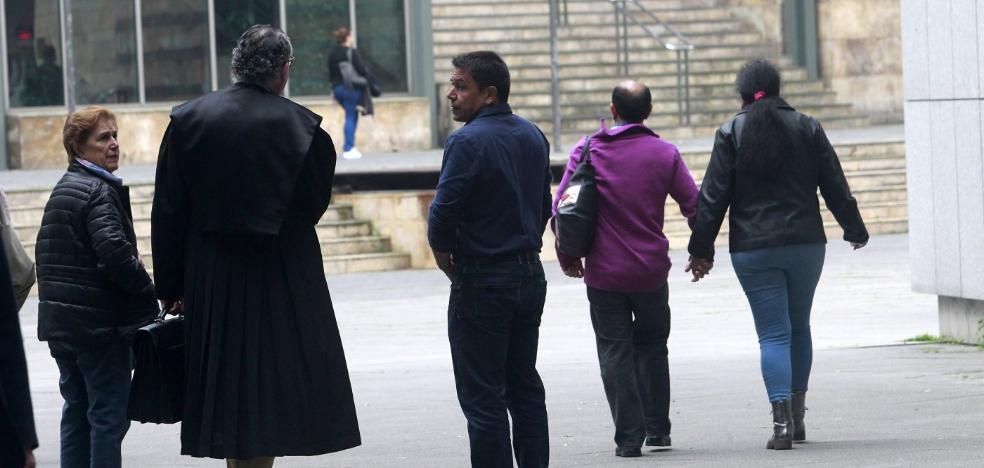 Los acusados de estafar 138.000 euros a una anciana asumen su culpabilidad