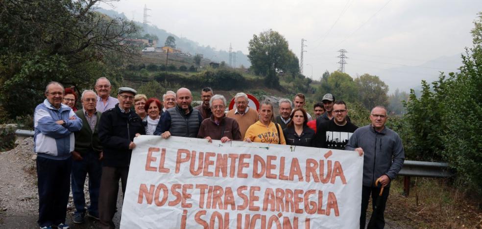 Campomanes inicia una cruzada para recuperar el puente de El Mercadiellu