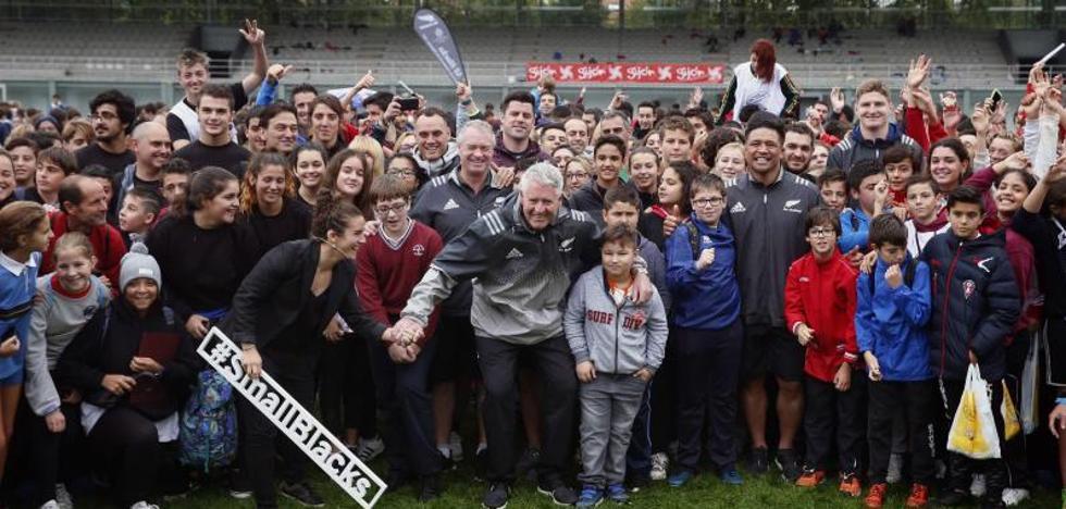 Lección de compañerismo y el respeto con los All Blacks en Gijón